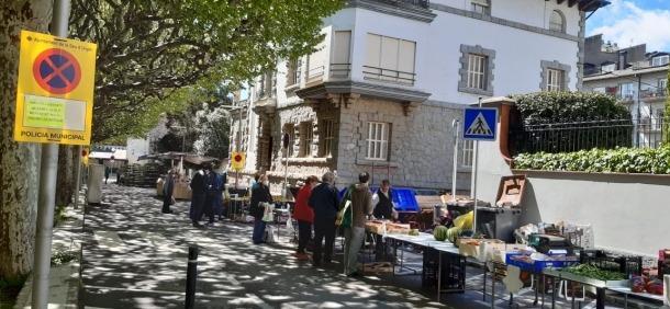 El mercat ha traslladat la ubicació al passeig Joan Brudieu.