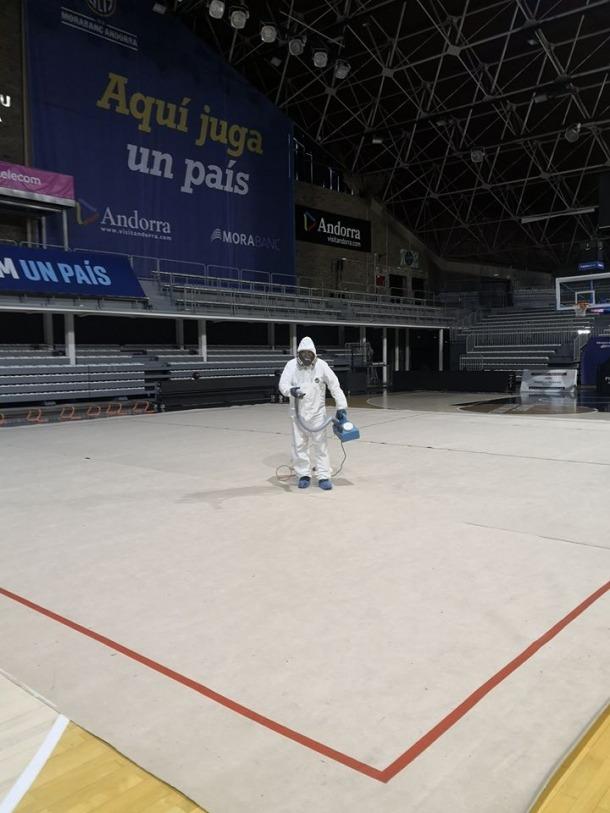 La pista d'entrenament per a les gimnastes, al Poliesportiu d'Andorra.