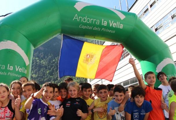 Prop de 1.000 escolars participen en la cursa 'Belluga't per l'esport' Prop de 1.000 escolars participen en la cursa 'Belluga't per l'esport'