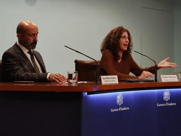 Joan Martínez Benazet i Odile Sarroca durant la compareixença després de confirmar el primer cas de coronavirus al país.