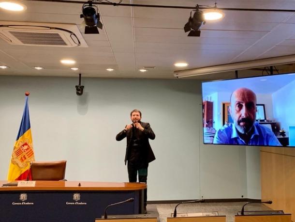 Un moment de la compareixença del titular de Salut, Joan Martínez Benazet, d'aquest migdia.