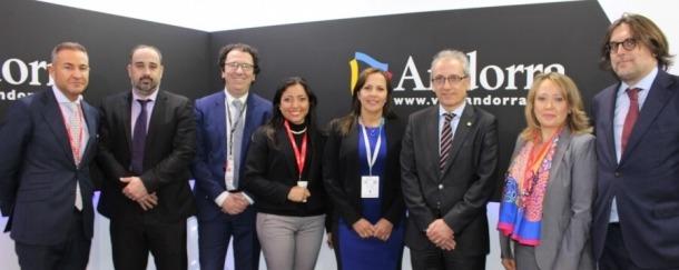 La delegació andorrana amb la de Colòmbia.