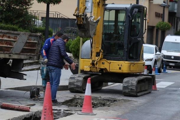 Els treballs de la segona fase de la separativa d'aigües residuals a Sant Julià de Lòria.