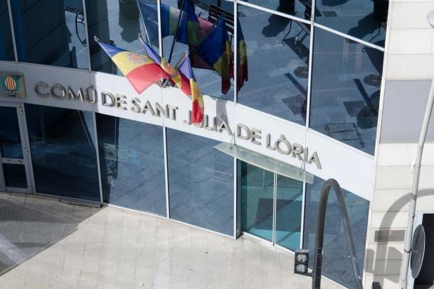Vista de l'edifici administratiu del Comú de Sant Julià.