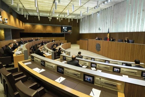 La sessió del Consell General en què es van aprovar les primeres mesures.