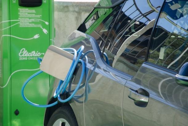 El primer ral·li de vehicles elèctrics 'Pyrénées Révéo Electric Tour' fa parada a Andorra aquest cap de setmana El primer ral·li de vehicles elèctrics 'Pyrénées Révéo Electric Tour' fa parada a Andorra aquest cap de setmana