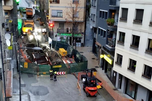 Imatge de les obres de remodelació realitzades al centre del poble.
