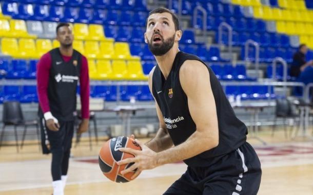 Nikola Mirotic, en un entrenament al Palau Blaugrana.