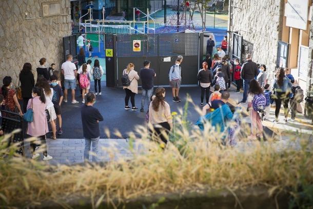 Entrada dels alumnes a les escoles andorrana i francesa de Ciutat de Valls.