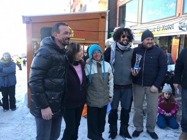 Els guanyadors de la categoria absoluta del concurs, Orobitg i Morató, amb el ministre d'Ordenament Territorial, Jordi Torres Falcó, i el cònsol major d'Encamp. Jordi Torres Arauz.