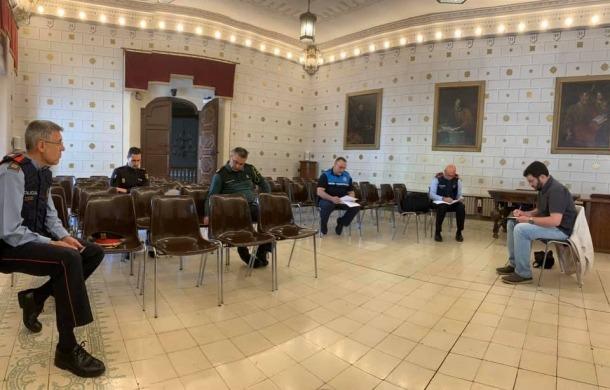 Reunió presencial guardant totes les distàncies i protocols de prevenció de la Junta de Seguretat Local de l'Alt Urgell.