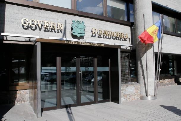 El Govern haurà d'indemnitzar amb 16.600 euros una treballadora amb deu anys d'antiguitat acomiadada mentre era de baixa.