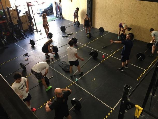 Una de les classes d'halterofília dels equips de la FAE.