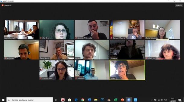 Un moment de la reunió de la comissió.