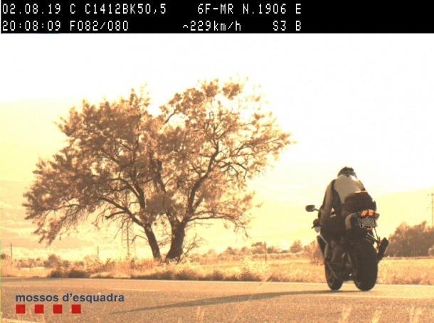 Detall de la moto que va circular a 229 km/h