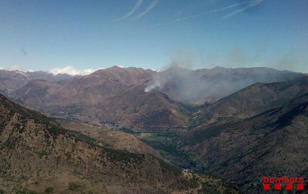 Un incendi forestal d'alta muntanya al Pallars Sobirà afecta unes 10 hectàrees