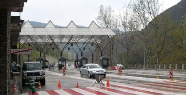 Més de mil persones de l'Alt Urgell creuen cada dia la frontera per treballar a Andorra.