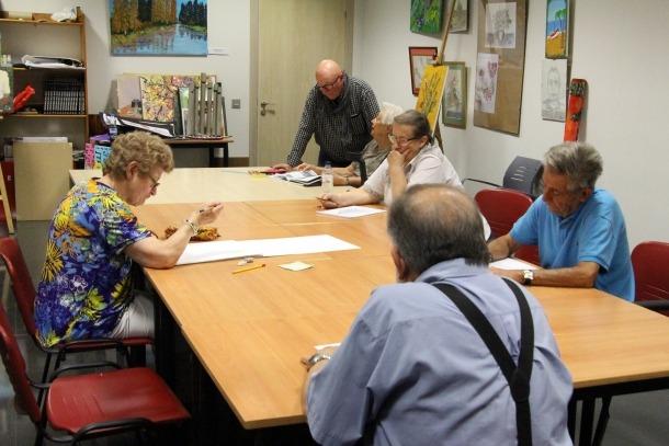 Un moment dels cursos i tallers per a la gent gran, que han començat aquest dilluns.