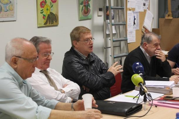 La nova junta de la Federació de la Gent Gran, encapçalada per Fèlix Zapatero, durant la roda de premsa d'aquest divendres.
