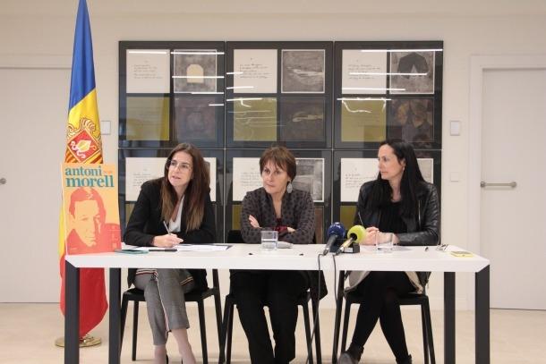 Sílvia Riva, ministra de Cultura i Esports; Roser Suñé, síndica general, i Olga Molné, cònsol major de la Massana.