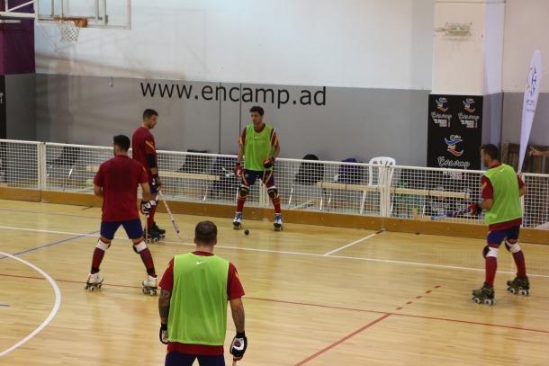 Els d'Edu Castro en el primer entrenament al Complex esportiu d'Encamp.