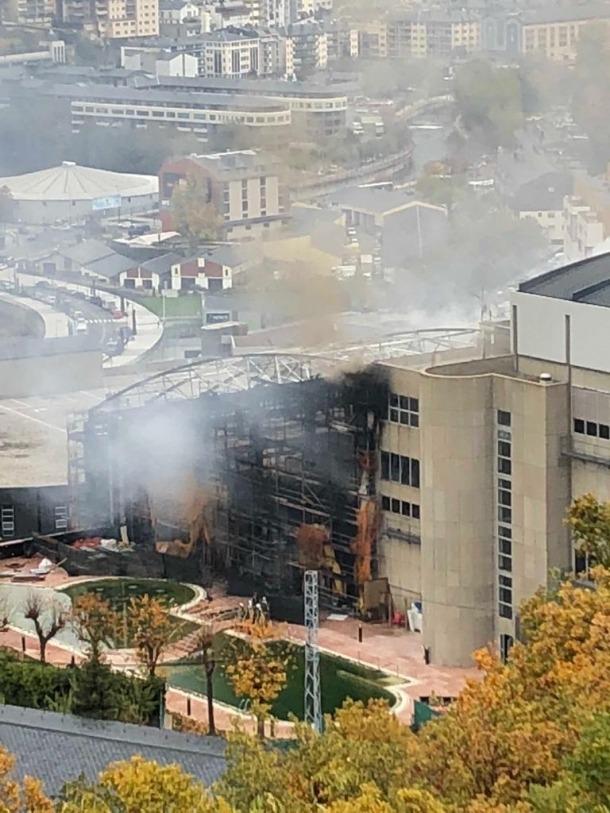 Un incendi crema els Serradells