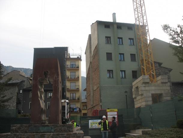 Andorra, Armengol, escultura, Casa del Benefici, Casa de la Vall, Monument als Homes i dones d'Andorra, Homenatge als Homes i Dones d'Andorra