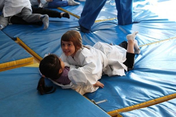 385 infants participen a la 'fête du sport' de l'escola andorrana de primera ensenyança de Santa Coloma385 infants participen a la 'fête du sport' de l'escola andorrana de primera ensenyança de Santa Coloma