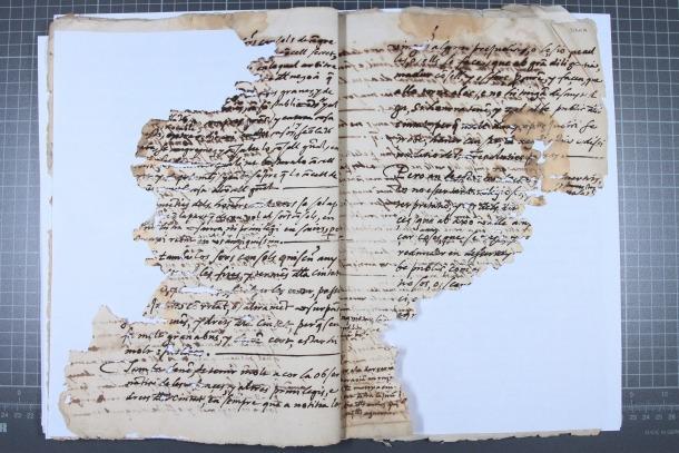 Pàgina del volum que s'ha conservat fragmentàriament.