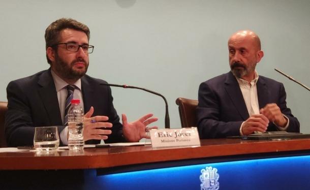 Eric Jover i Joan Martínez Benazet en la compareixença d'aquest vespre.