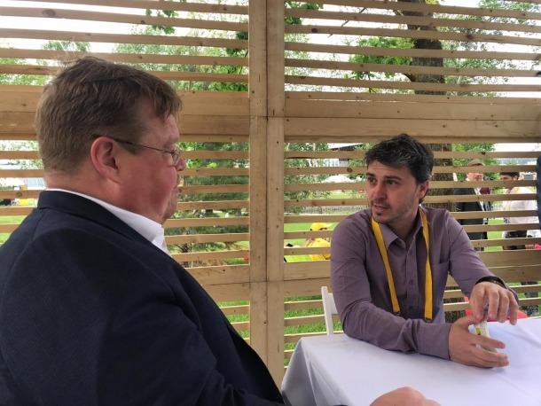 Marc Pons, ha mantingut una reunió amb el seu homòleg a l'Skolkovo Center, Pekka Antero.