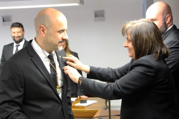 ANA/ La cònsol major d'Escaldes-Engordany, Trini Marín, durant el nomenament d'Higini Martínez-Illescas com a nou conseller liberal del comú.