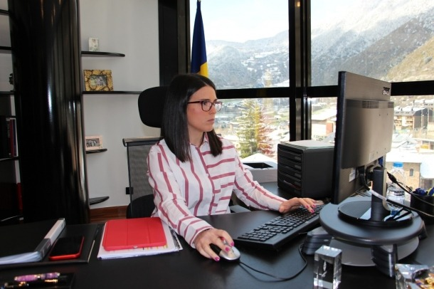 La cònsol major d'Encamp, Laura Mas, al seu despatx del Comú, ahir.