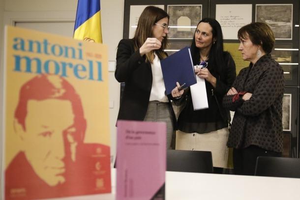 Sílvia Riva, Olga Molné i Roser Suñé, en la presentació del Mes Morell, ahir al Rosaleda d'Encamp.