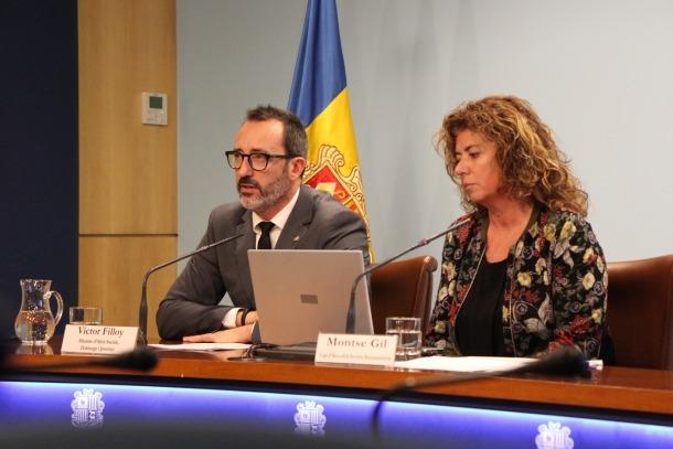 El ministre Víctor Filloy amb la cap d'àrea de Serveis Sociosanitaris, Montserrat Gil, van fer balanç del SAD, ahir.