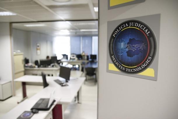 Quatre agents treballen en el Grup de delictes tecnològics de l'àrea de Policia Judicial i Investigació Criminal.