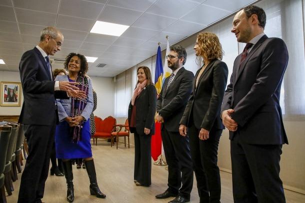 Un moment de la trobada entre la secretària general de la Francofonia, Michaëlle Jean, i membres del Govern.