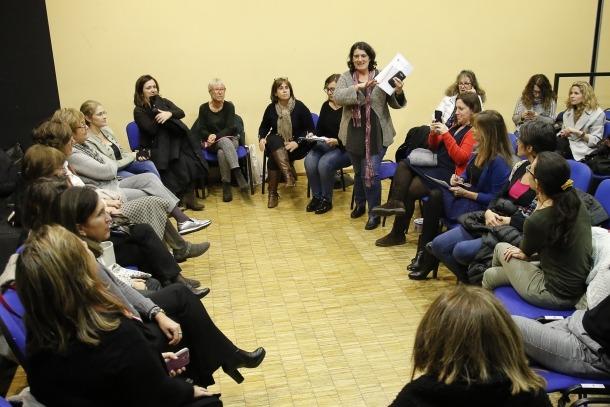 Les integrants d'Acció Feminista d'Andorra en l'assemblea celebrada ahir.