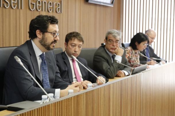 Un estudi qüestiona l'ús del secret per denegar documents al Consell