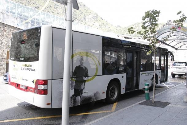 Un autobús de transport públic nacional.