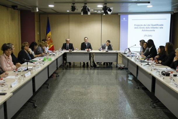Un moment de la reunió de la Comissió de Participació de les Entitats Cíviques, ahir.
