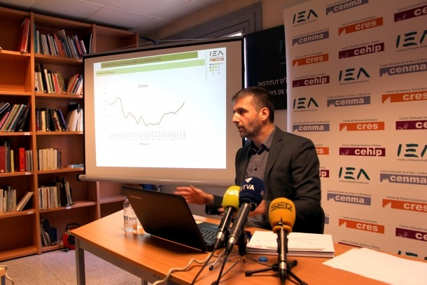 El director del CRES, Joan Micó, presenta els resultats del segon Observatori del 2018.