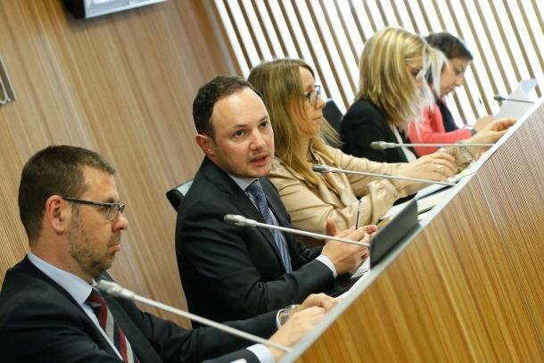 Espot va comparèixer ahir davant de la comissió legislativa d'Interior per informar dels resultats de l'auditoria.