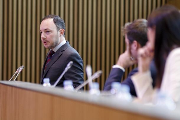 El titular d'Afers Socials, Justícia i Interior, Xavier Espot, va retreure al PS que no fes esmenes parcials al text de mesures urgents.