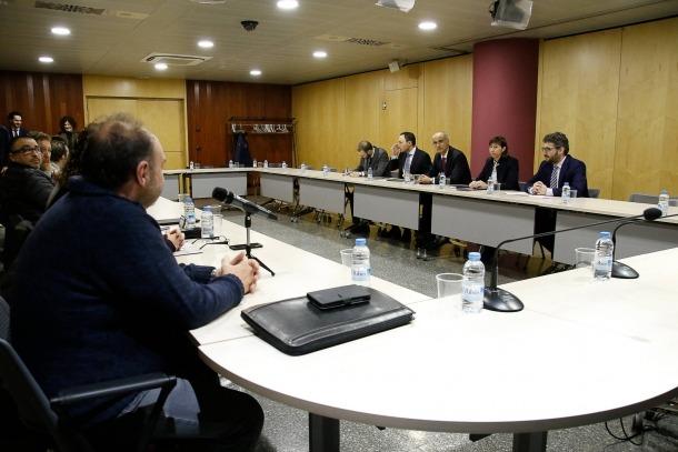 Un moment de la trobada d'ahir entre els representants dels sindicats de l'Administració i part del Govern.