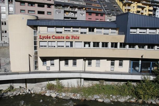 L'edifici del Lycée Comte de Foix.