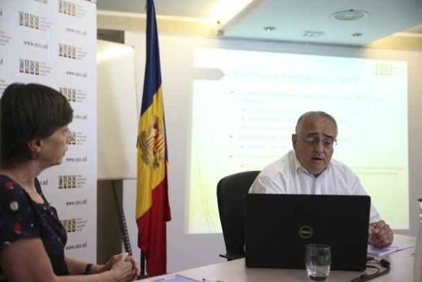 Un moment de la compareixença del president del consell d'administració, Albert Font, i de la directora de la CASS, Joaquima Sol.