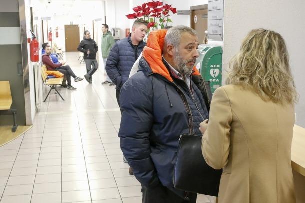 El president del sindicat, Lluís Anguita, va presentar ahir l'escrit de denúncia a la fiscalia sobre els càrrecs de relació especial.