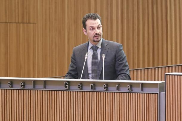El conseller general del PS Gerard Alís en una intervenció davant la cambra.