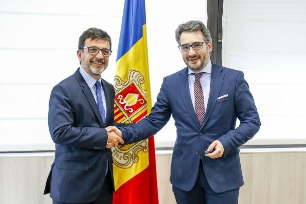 Eric Jover pren el relleu al capdavant del ministeri de Finances a Jordi Cinca.